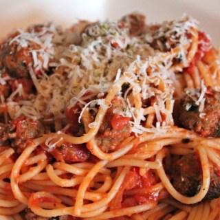 Spaghetti met Gehaktballetjes | TalkNomzToMe.nl