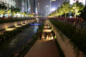 Cheonggyecheon, Seoul. Photo courtesy of d'n'c, via Flickr.