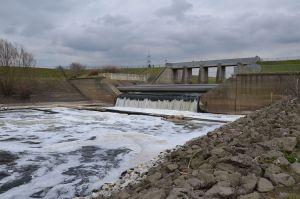 The Emscher river at Dinslaken. Photo by NatiSythen via Wikimedia.