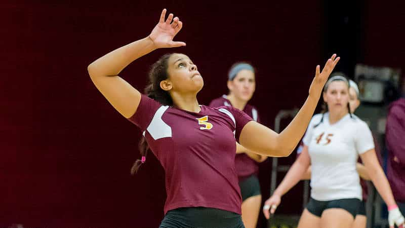VB Holds Off Holy Cross In Five Sets At Bryant