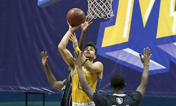 Men's Basketball Earns Three Victories at Legends Classic.jpg