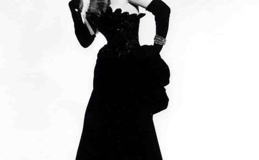 Marta Eggerth in The Merry Widow, 1943.jpg