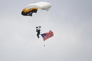 R12 Parachuter MG 7851