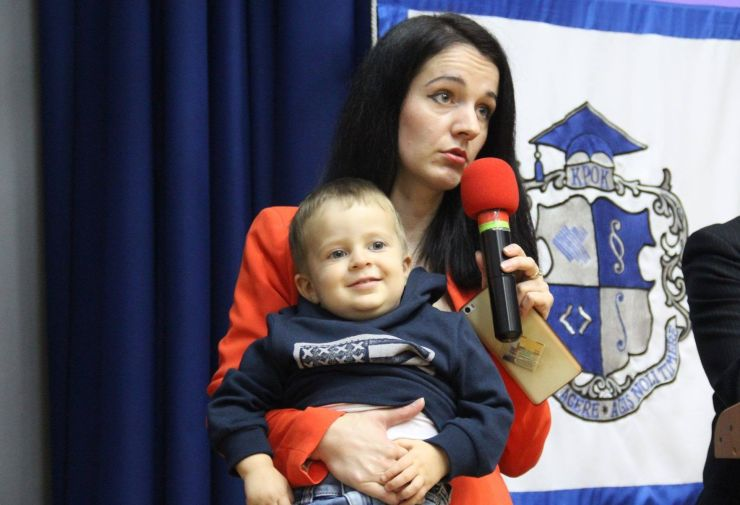 Работа с ребенком на руках: рассказывает Наталья Заверуха