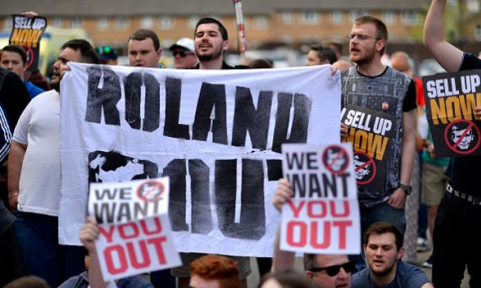 Charlton Athletic fans protest against Roland Duchatelet at the Valley