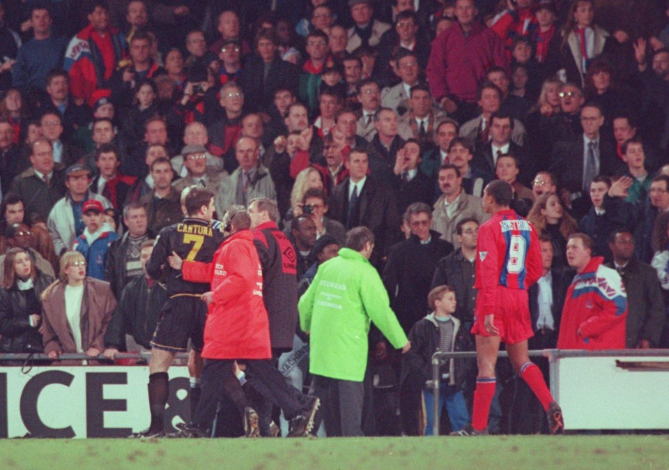 25, 1995, with one ugly kick off the field, eric cantona managed to overshadow any of his most beautiful kicks on it. Arsenal Legend Ian Wright Felt Jealous When Ex Manchester United Star Eric Cantona Kung Fu Kicked Crystal Palace Fan