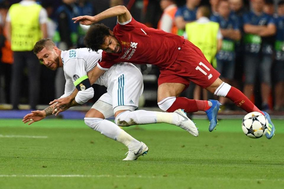 Liverpool fans claim Ramos deliberately injured Salah in Kiev