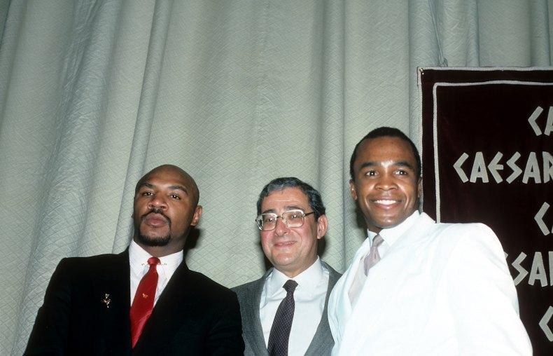 Hagler and Leonard pose with Bob Arum