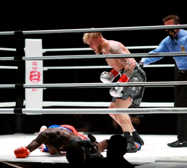 Nate Robinson (left) and Jake Paul during their 2020 celebrity boxing match