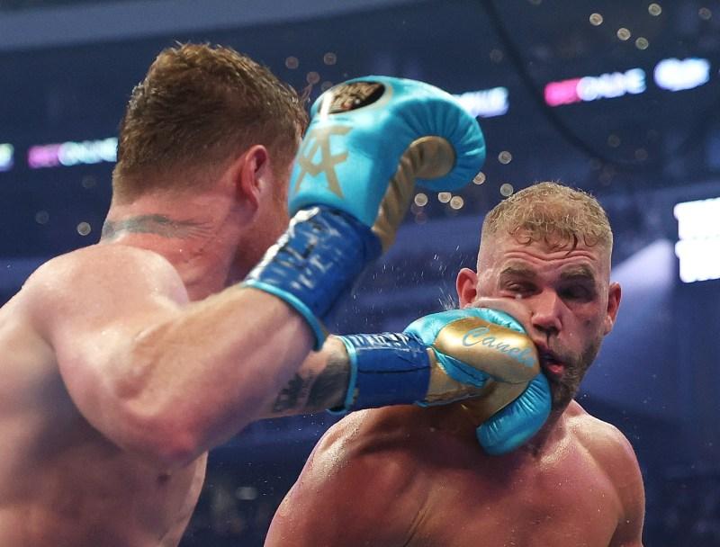 Saunders se retiró de la pelea después del octavo asalto en mayo.