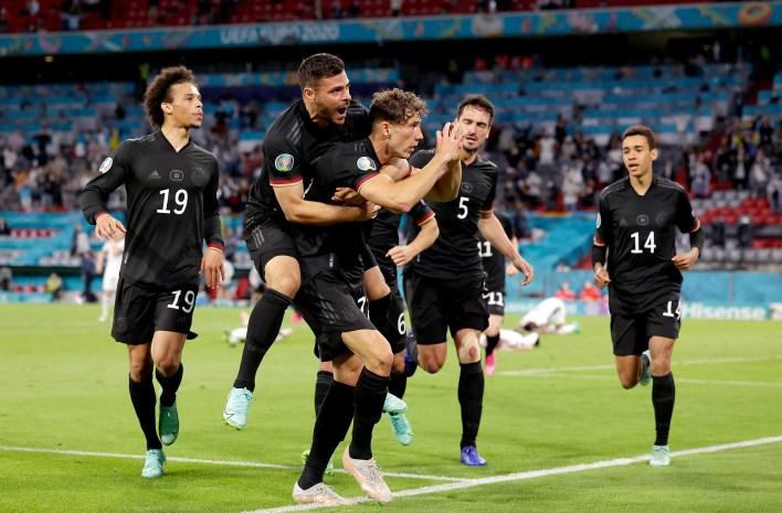 Her iki maçta da İngiltere'nin sıradaki rakiplerine karar vermekten çok daha fazlası vardı.