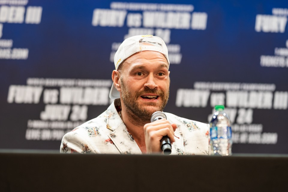 Fury hailed Usyk as a technically good boxer who will cause Joshua problems