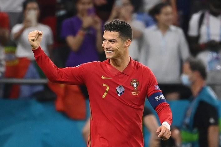 Ronaldo'nun uluslararası hedefler açısından tek başına orada olması için sadece bir gole daha ihtiyacı var