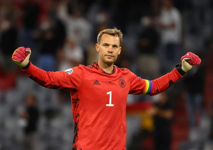 Neuer, 2014'te Almanya'nın Dünya Kupası'nı kazanan kadrosunun bir parçasıydı ve Bayern Münih ile sayısız ödül kazandı.