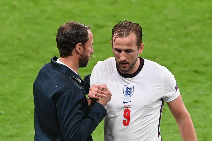 Kane, İskoçya'ya karşı alışılmadık bir şekilde isimsizdi