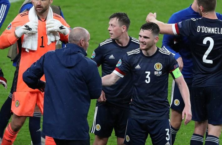 Robertson, bu performansın İskoçya halkını gururlandırmasını umuyor