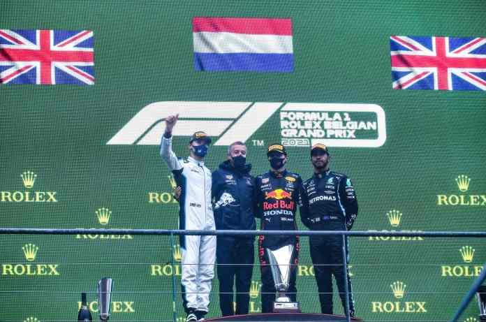 De alguma forma, um resultado de corrida foi declarado na Bélgica com Verstappen entregando a vitória
