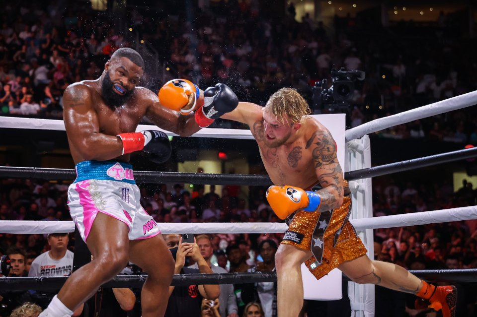 Jake Paul just edged out Tyron Woodley with a split decision win