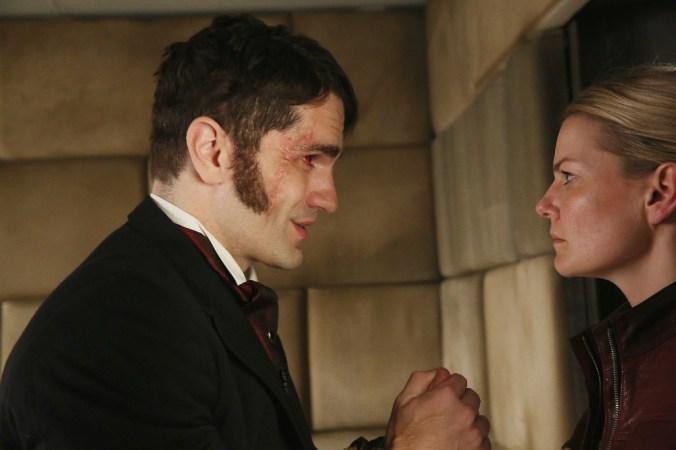Hyde delivers distressing news to Emma. (Photo credit: ABC/Jack Rowand via Disney Press) SAM WITWER, JENNIFER MORRISON