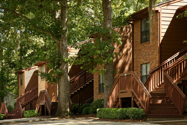 Crescent Sky Real Estate Partners Acquires Castle Apartments in Tallahassee