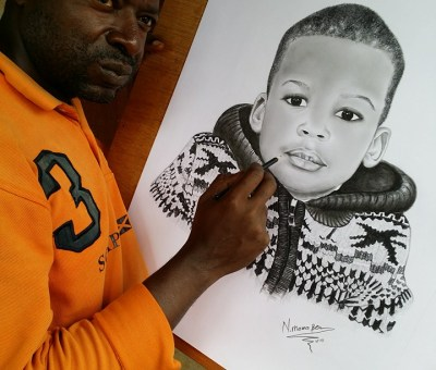 BEN MAMA, artiste visagiste, au crayon électrique