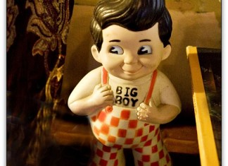 Bob's Big Boy doll
