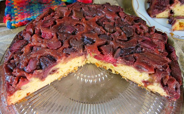 Cast Iron Cookery Strawberry Rhubarb Upside Down Cake Tall Clover Farm