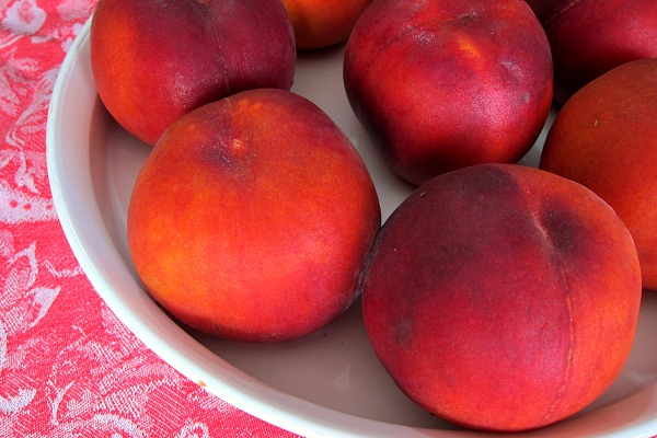 fresh whole peaches