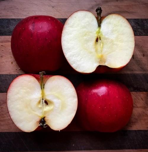 melrose apple sliced
