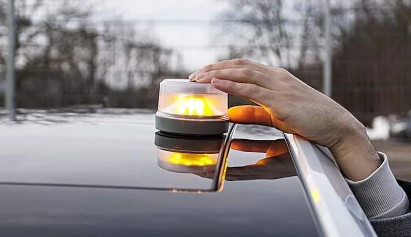La señal v16 aumenta la seguridad ante accidentes en carretera o emergencias