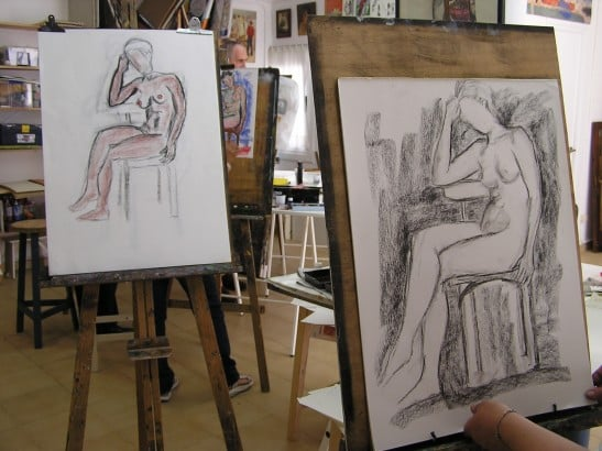 Figure drawing classes with model in Taller de 4 Pintors, Barcelona