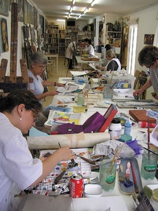 Painting and collage class in Barcelona