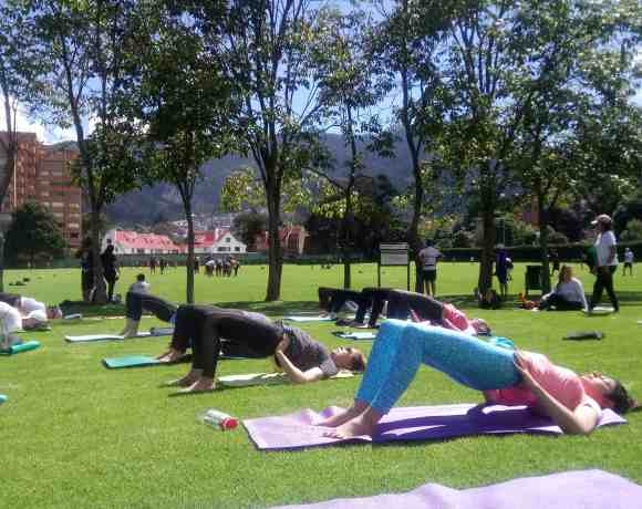 YOGA LIBRE Parque El Country y UDS Bogotá