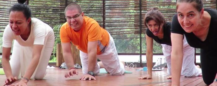 yoga niños adolescentes mayores