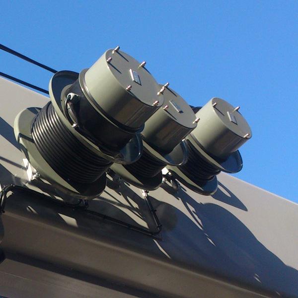 Enrolladores de poténcia y datos digitales en brazo extensible de 3 cuerpos