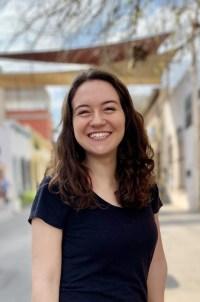 Lisa Moser, Gift Shop Manager, lmoser@tallerpr.org