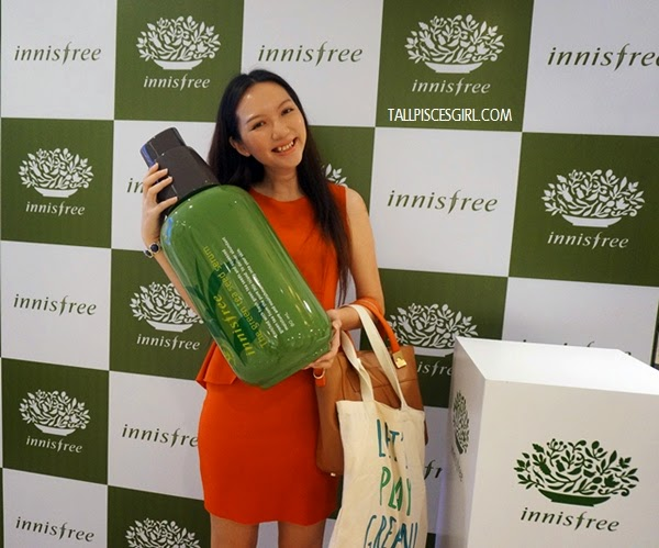 What a huge bottle of Green Tea Seed Serum!