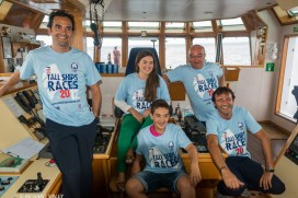 The Captain, his family and other officers from the Sebastián de Ocampo get in the mood