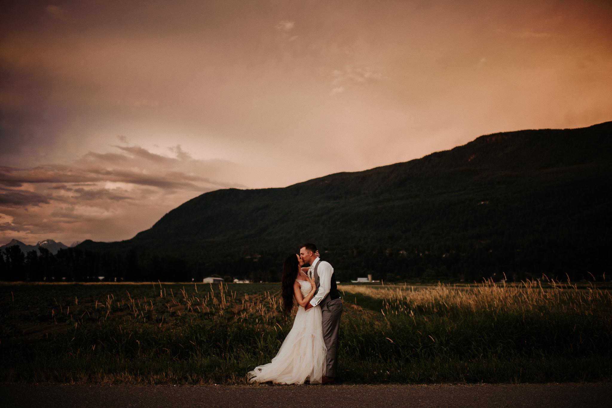 Secret Garden at Woodbridge Ponds Wedding