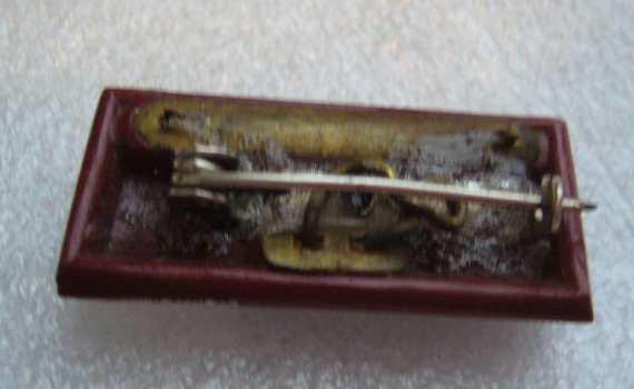 Vintage art deco glass pin brooch