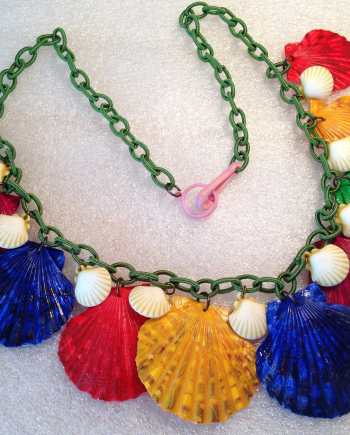 Vintage style hand painted real shells & early plastic necklace, new fabric chain