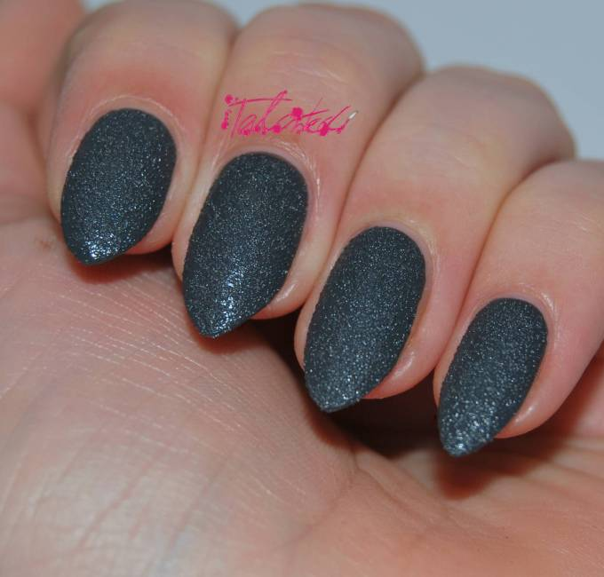 Seventeen Rock Hard Nail Effects in Grey