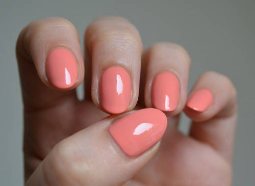 Essie Summer 2015 Peach Side Babe