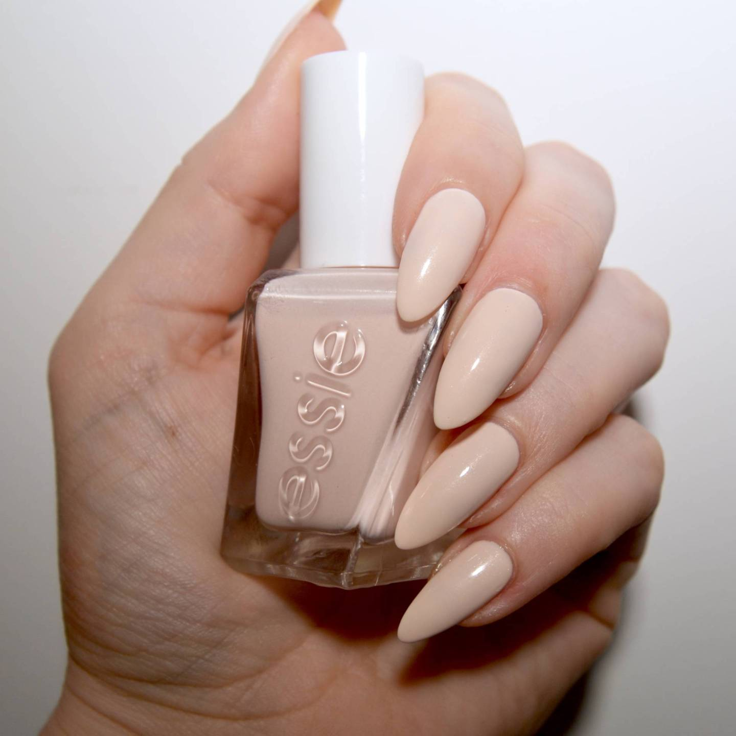 Essie Gel Couture Ballet Nudes Satin Slipper