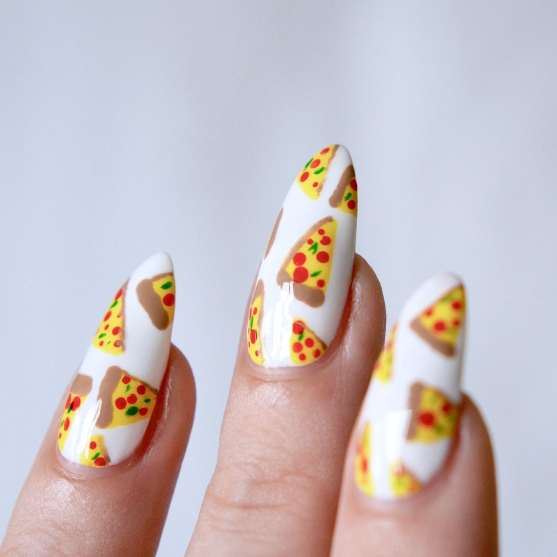 Mani Monday: Pizza Nail Art // Talonted Lex