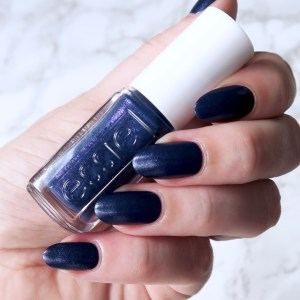 Essie x Rebecca Minkoff Leathers Collection 'In Hot Purse-uit'