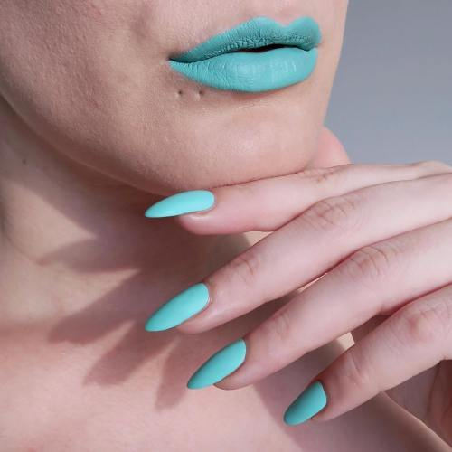 Mint green matching lips and nails - #TalontedLipsAndTips