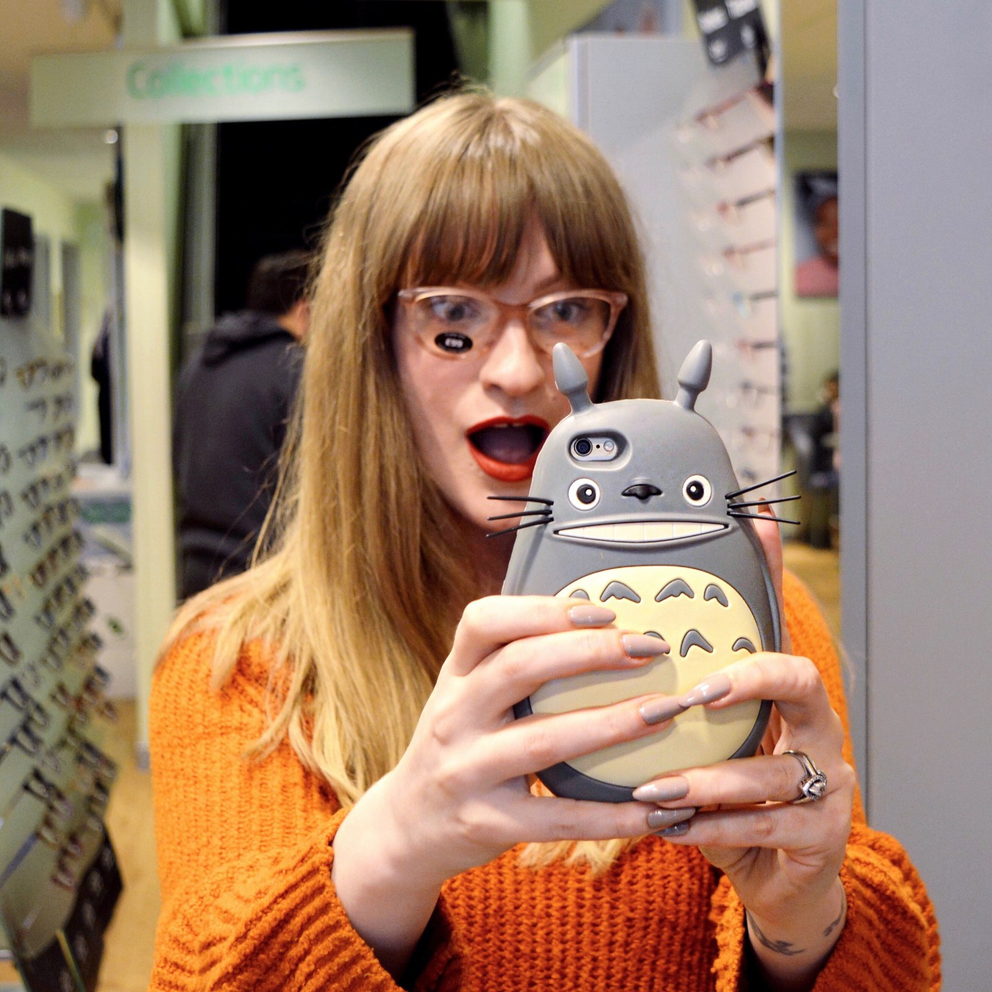 BLOG POST: Tips for caring for ocular rosacea - my optician's appointment with Specsavers. Totoro phone case, new glasses.