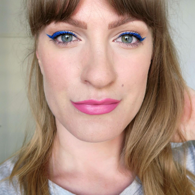 Bright blue winged eyeliner. Bold eye make up. Summer make up inspiration.