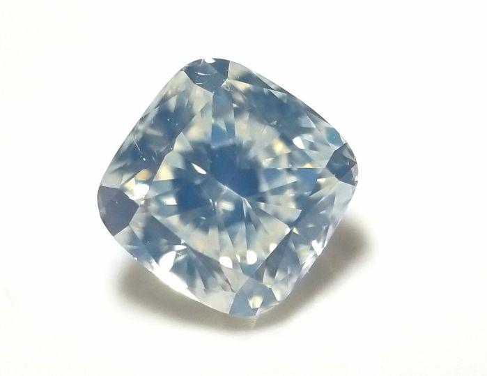 0.53ct White Diamond - Natural Loose Fancy White Color Cushion SI2 Bluish Tone